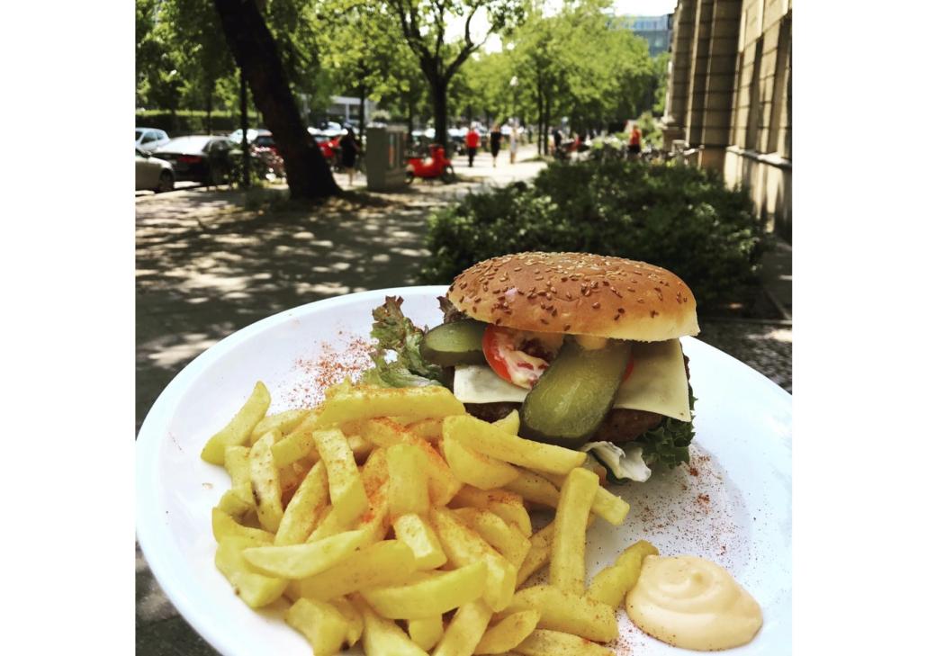 burger_mit_pommes